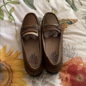 NWOB Life Stride loafers size 8.5